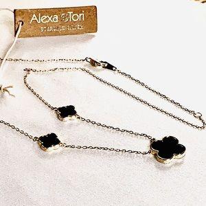 Alexa & Tori Three Black Clover Gold Necklace NWT
